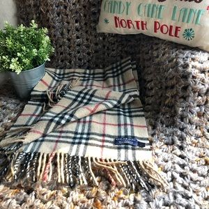 ❄️❄️BURBERRY CASHMERE SCARF. MADE IN ENGLAND. NWOT
